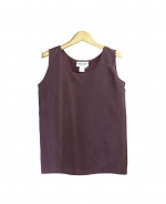 This habotai silk tank top is comfortable, soft, and perfect for summer. This comforble tank top can work beautifully with any jacket. Hand-wash or dry clean for best results.