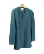 Our ladies washable fuji silk v-front blazer is comfortable and perfect for all occasions. This blazer is softly shaped and drapes very nicely. It can easily match sweaters and bottoms. Machine wash or dry clean for best results.