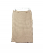 This silk/cotton jacquard knit skirt is perfect for all occasions. The mini-houndstooth jacquard gives you a sophisticated look. This skirt is soft and comfortable and is easy to match with jackets and tops. 3 beautiful colors available for this jacket: Black/Ivory, Brown/Taupe, and Camel/Ivory.