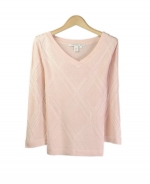 This V-neck 3/4 sleeve sweater is a luxurious top made from 100% silk. Our pullover is ideal to wear for all occasions. Hand wash or dry clean for best results.