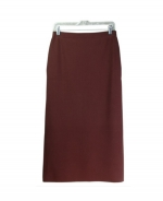This ladies' viscose nylon knit long skirt is a classic, perfect for all occasions. The skirt is 33