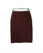This ladies' viscose nylon knit skirt is a classic, perfect for all occasions. The skirt is 26